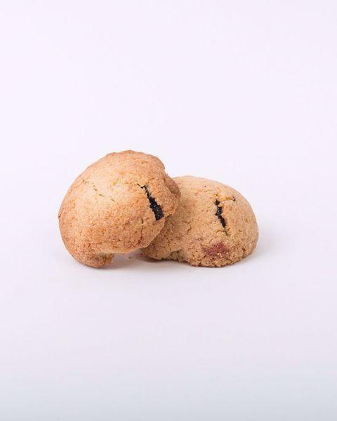 Immagine di Biscotti al Cocco Farciti ai Frutti di Bosco kg. 2
