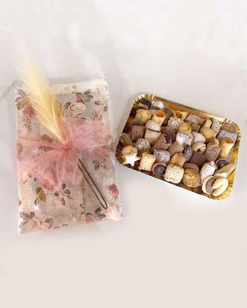Immagine di Biscotti artigianali in confezione regalo 1kg